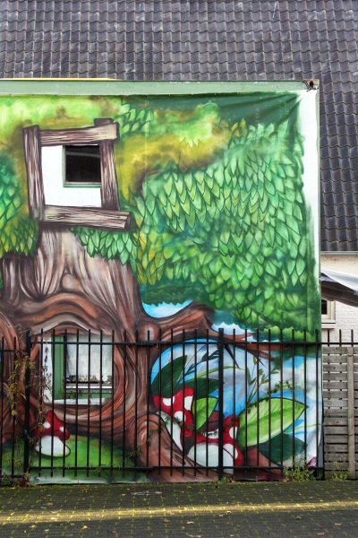 architecture blog, tree house mural